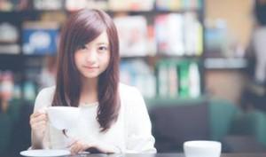 カフェで相席になった女子高生